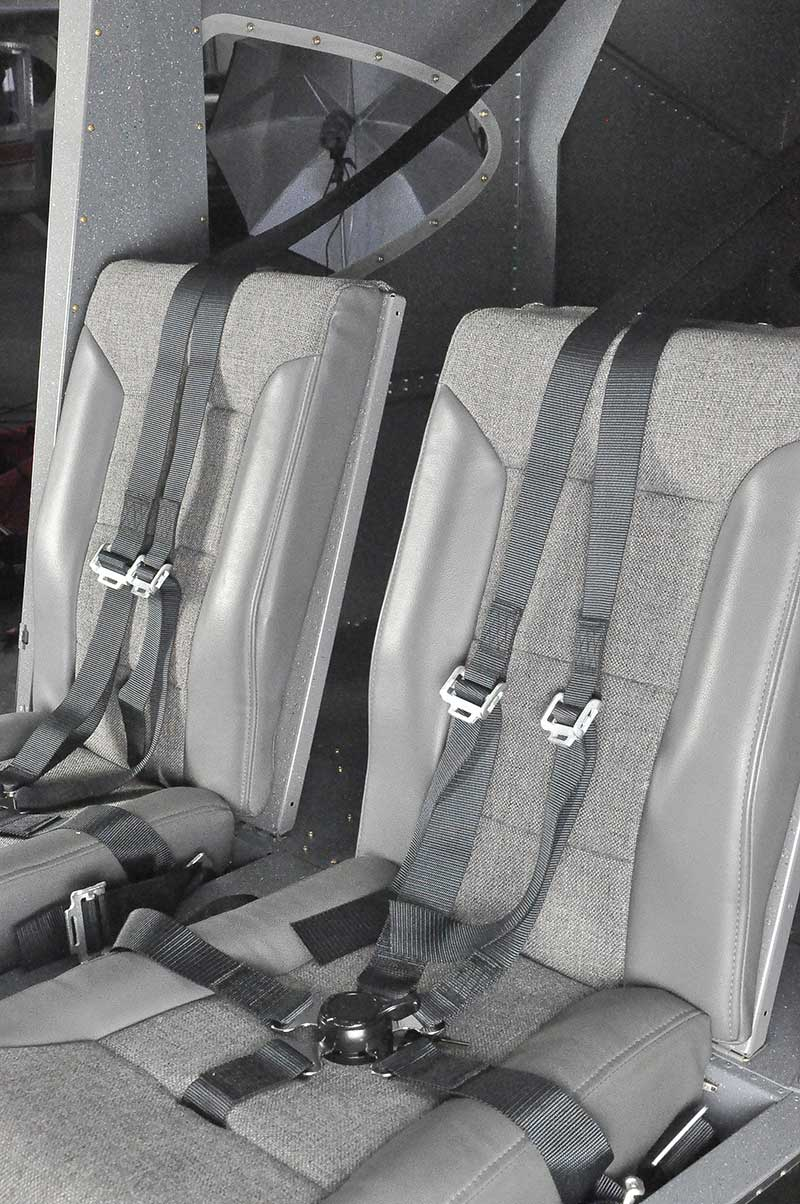 The Vashon Ranger R7 comes equipped with 5 point harness seat belts and light weight seat material