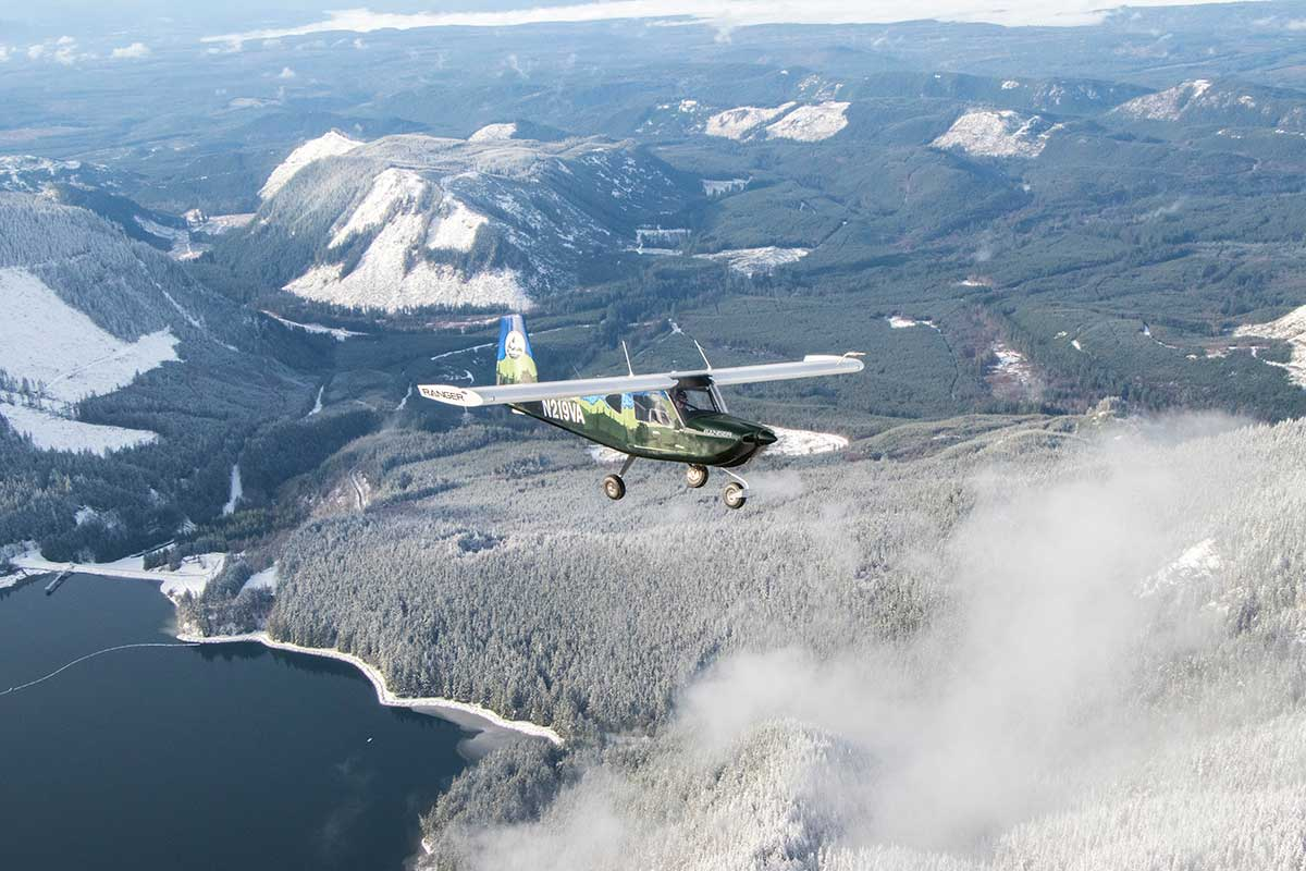 The Vashon Ranger R7 flying around Calligan Lake in the Carnation Valley